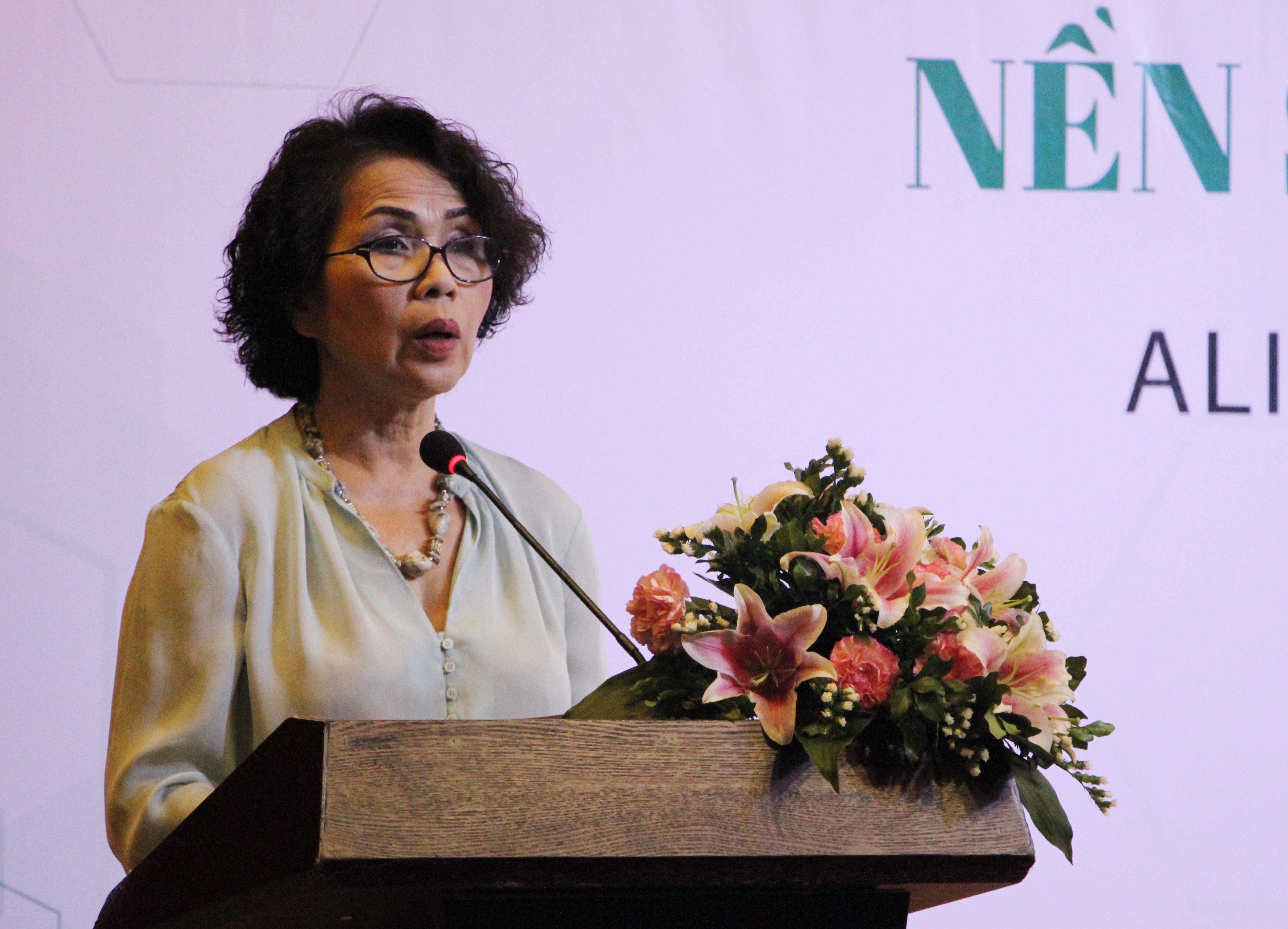 Tiến sĩ Nguyễn Thị Hồng Minh: Nhà sản xuất cần liên kết lại để phát triển thị trường thực phẩm sạch, an toàn.