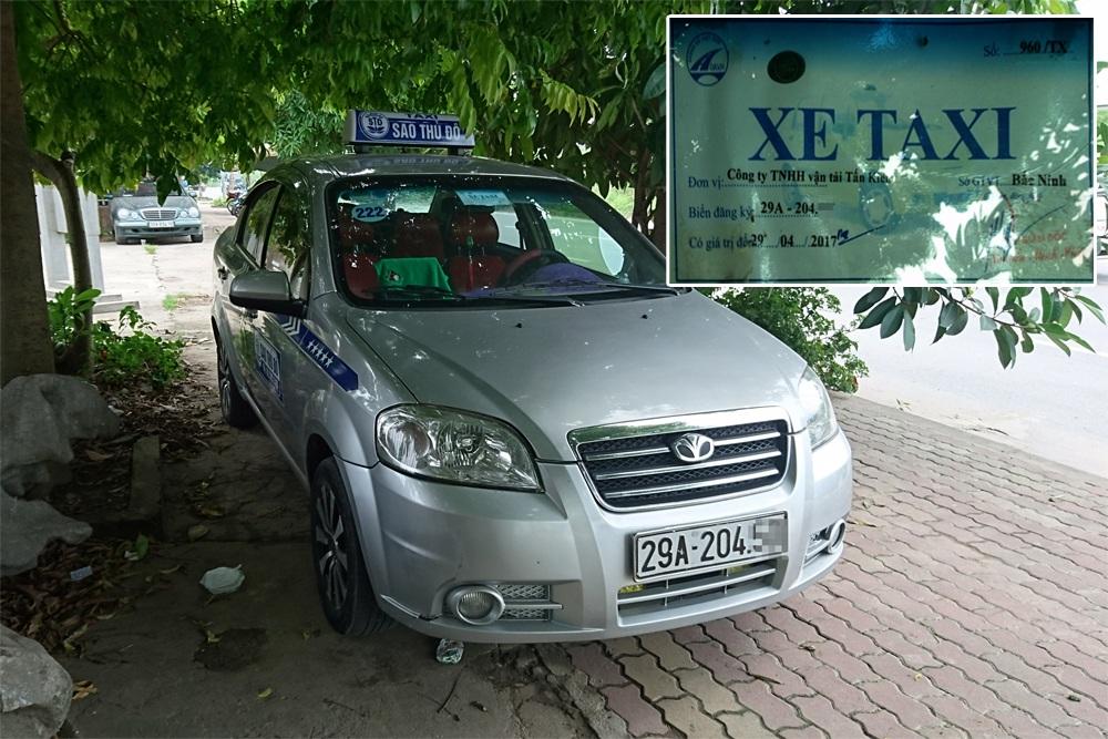 Rất nhiều xe taxi của hãng Sao Thủ đô do Bắc Ninh cấp phép nhưng lại hoạt động ở Hà Nội.