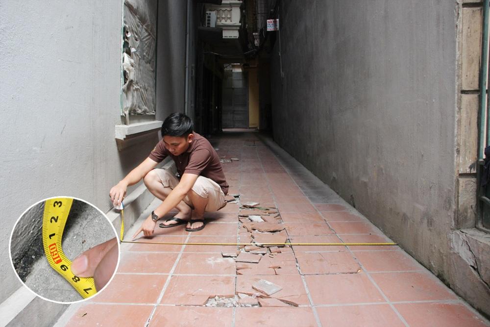 Khi đo ở vị trí sát chân móng, khoảng cách giữa tường nhà số 177 và nhà kế bên là 160cm.