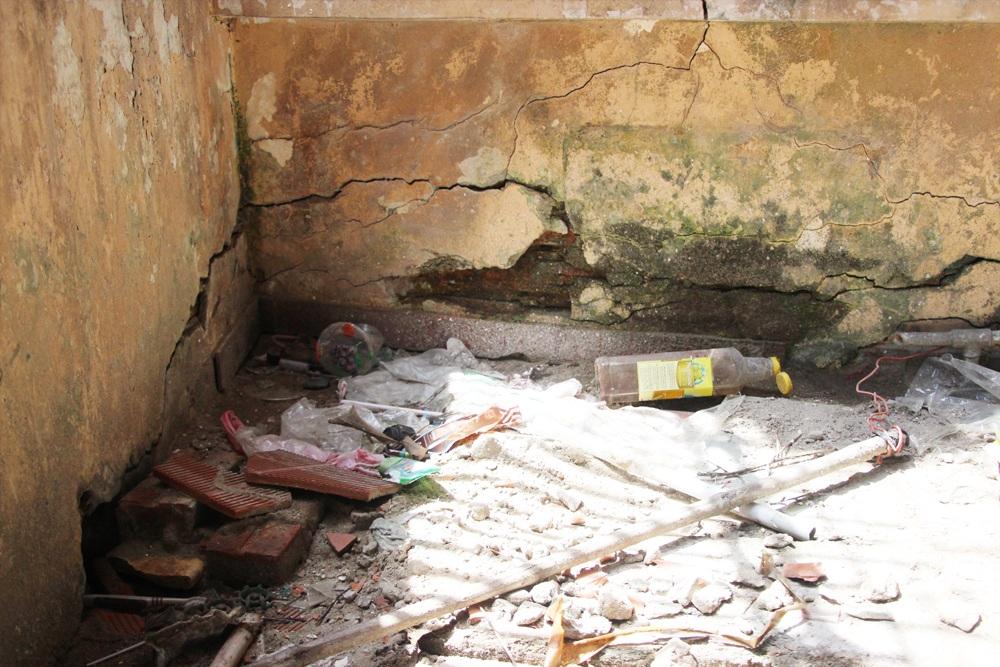 """""""Đột nhập"""" ngôi nhà 4 tầng nghiêng gần 1m ở Hà Nội - 5"""