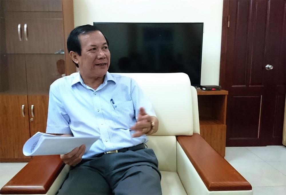 Ông Nguyễn Ngọc Oai trao đổi với PV Dân trí.