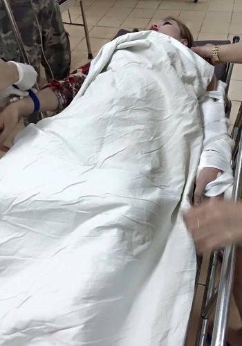 Chị Trang lúc vừa nhập viện cấp cứu (ảnh gia đình nạn nhân cung cấp)