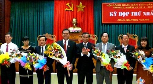 Các đại biểu tái đắc cử chức danh