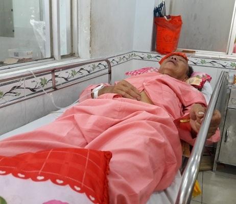 Ông Q. đang nằm cấp cứu tại Bệnh viện Chợ Rẫy