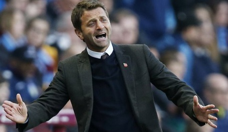 Tim Sherwood bị sa thải sau 8 tháng ở Aston Villa