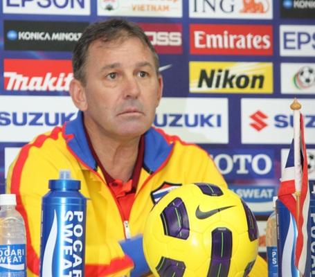 Ông từng dẫn dắt Middlesbrough, West Brom… trước khi làm HLV trưởng đội Thái Lan năm 2009. Sau khi rời khỏi đất nước Chùa vàng năm 2011, Bryan Robson chưa dẫn dắt thêm bất kỳ đội bóng nào.