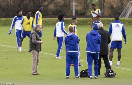 Ông chủ Abramovich đích thân xuống sân tập Chelsea - 1