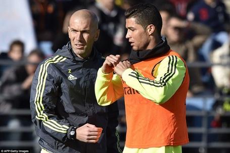 Zidane gây sốt ngay trong ngày ra mắt Real Madrid - 3