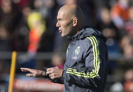 Zidane gây sốt ngay trong ngày ra mắt Real Madrid - 9
