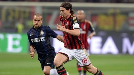 Chấn thương ở AC Milan đã hủy hoại sự nghiệp của Montolivo. Hiện tại, BLĐ Rossoneri vẫn chưa quyết định có gia hạn hợp đồng với tiền vệ này hay không.