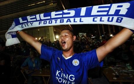 """Người dân Thái Lan """"phát cuồng"""" vì chức vô địch của Leicester City - 7"""
