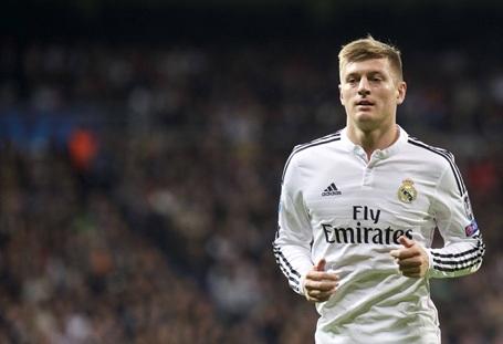 Mùa Hè năm 2014, báo giới Anh đã tốn quá nhiều giấy mực nói về vụ MU theo đuổi Toni Kroos. Dù vậy, cuối cùng, cầu thủ này đã bỏ qua MU để theo tiếng gọi của Real Madrid.