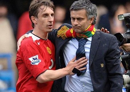 HLV Mourinho mời Gary Neville làm phó tướng ở MU