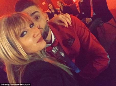 Mỹ nhân nhận được nụ hôn nóng bỏng của ngôi sao Atletico là ai? - 5
