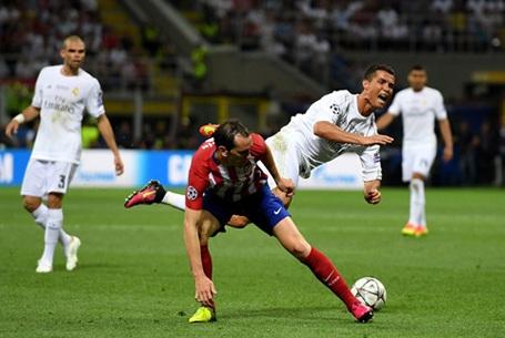 Godin, chốt chặn tin cậy của Atletico Madrid