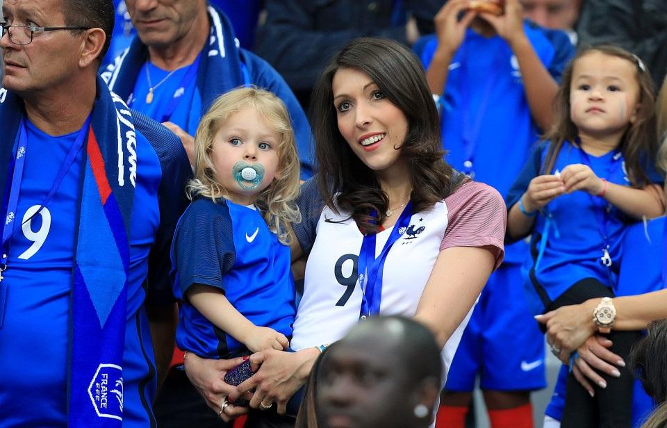 Vợ con của Giroud