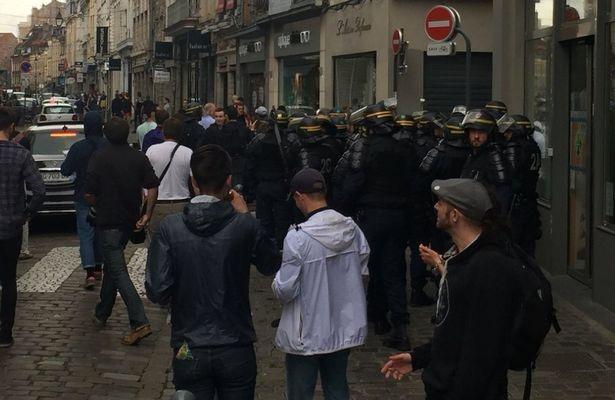 Cảnh sát được huy động để dẹp loạn