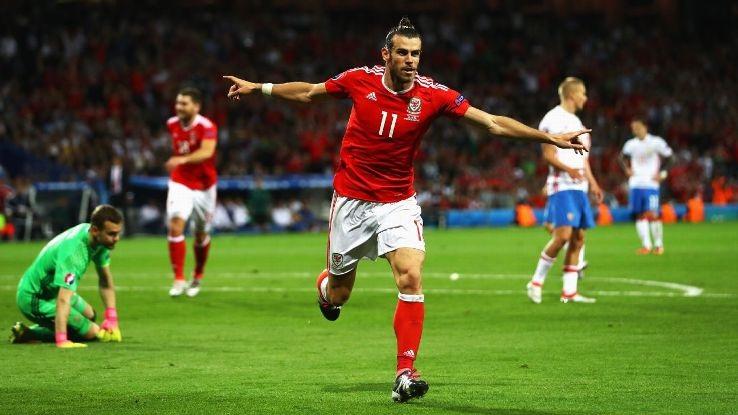 """Gareth Bale tiếp tục """"chọc ngoáy"""" người Anh"""