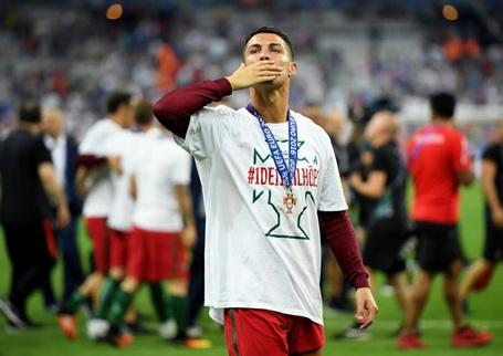 C.Ronaldo hứa sẽ trở lại mạnh mẽ