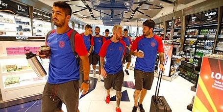 Messi và các đồng đội đặt chân tới nước Anh