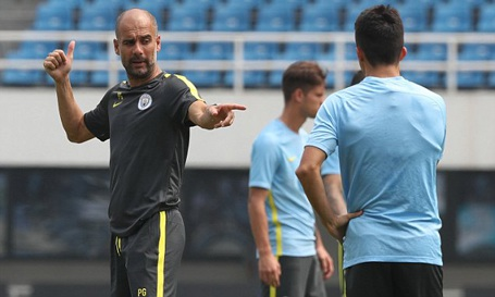 HLV Pep Guardiola không cho phép các cầu thủ thừa cân tập luyện cùng đội 1