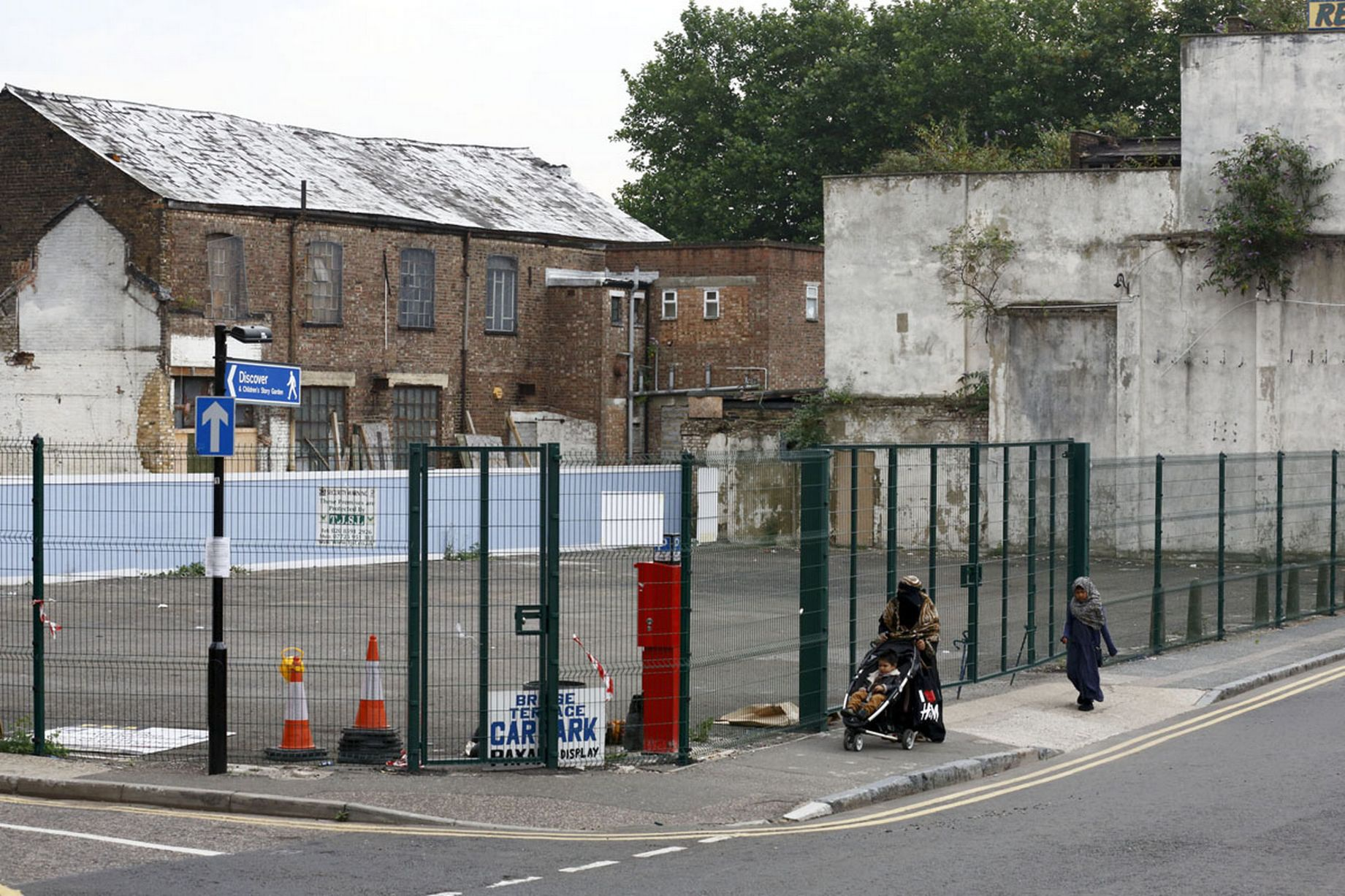 Một địa điểm đỗ xe ở Olympic London 2012 đã bị bỏ hoang