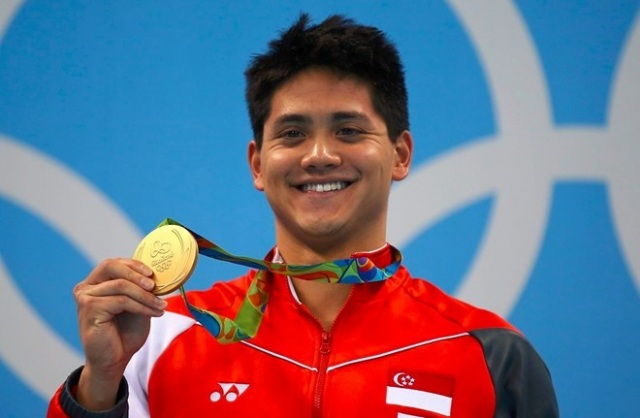 Joseph Schooling đã vượt qua Michael Phelps ở nội dung 100 mét bơi bướm (vốn là sở trường của VĐV người Mỹ). Thành tích ấy cho thấy bước tiến vượt bậc của kình ngư người Singapore. Joseph Schooling hứa hẹn sẽ thay thế Michael Phelps thống trị ở các nội dung bơi bướm trong tương lai.
