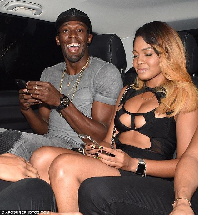 Chưa đầy 24 giờ trước đó, Usain Bolt đã cặp kè với 8 người đẹp