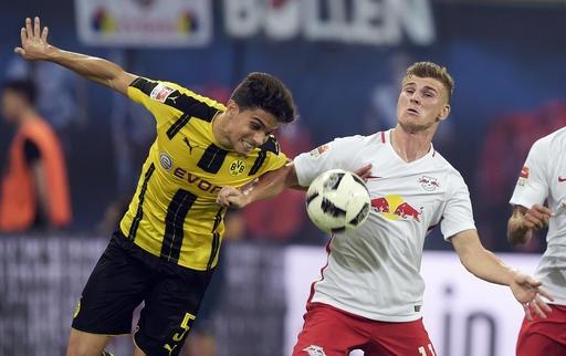 Dortmund gặp bế trước trước Leipzig
