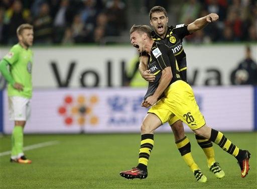 Dortmund vùi dập Woflsburg với tỷ số 5-1