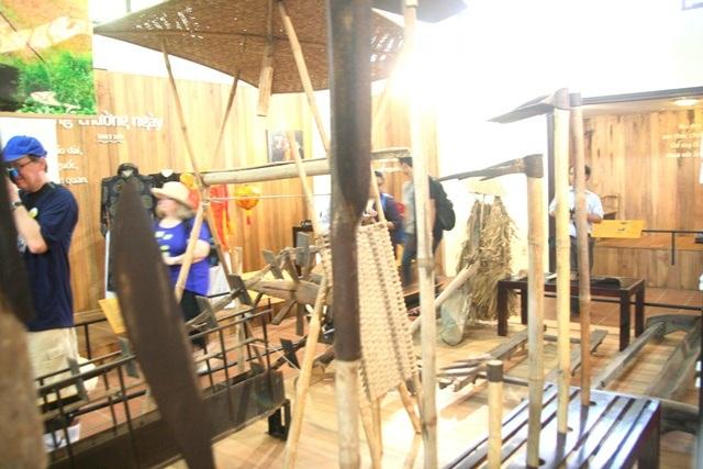 Thú vị chuyến tham quan nhà nông cụ bên cầu ngói Thanh Toàn - 2