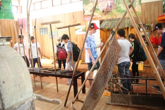Thú vị chuyến tham quan nhà nông cụ bên cầu ngói Thanh Toàn - 3