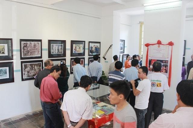 Nhiều điều thú vị về cổ vật thời Nguyễn, Ca Huế tại triển lãm