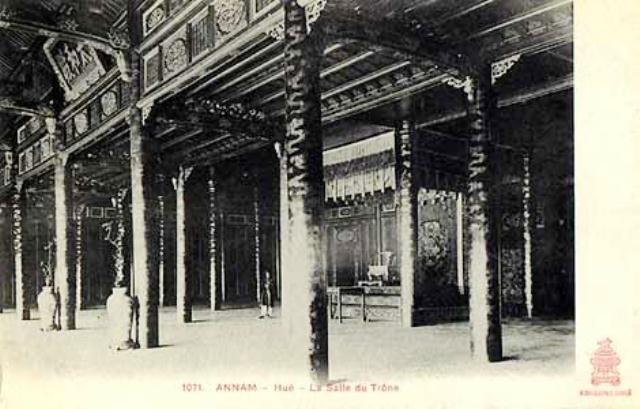 Một số cung điện tại Huế đã gần như sạch trơn sau khi Pháp chiếm Kinh thành (ảnh: internet)
