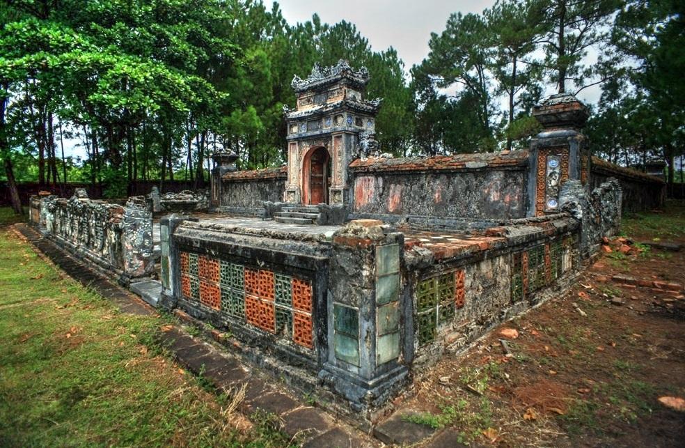 Lăng Kiên Thái Vương bị kẻ gian đào lấy đi nhiều cổ vật tùy táng giá trị sau thời điểm năm 1975 (ảnh: internet)