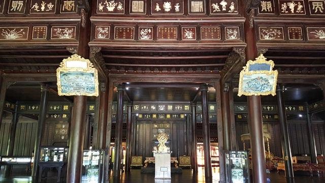 Bảo tàng Cổ vật Cung đình Huế đang lưu giữ số lượng lớn cổ vật quý triều Nguyễn
