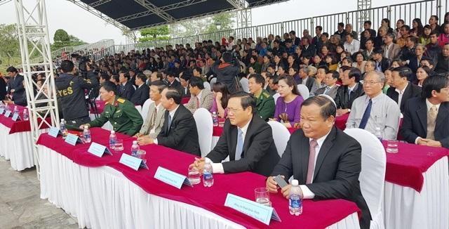 Hàng ngàn đại biểu và người dân tại Huế đã tham dự lễ, ôn lại trang sử hào hùng của dân tộc ngày đầu năm mới
