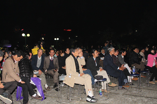 Đêm thơ thu hút hàng trăm người tham gia