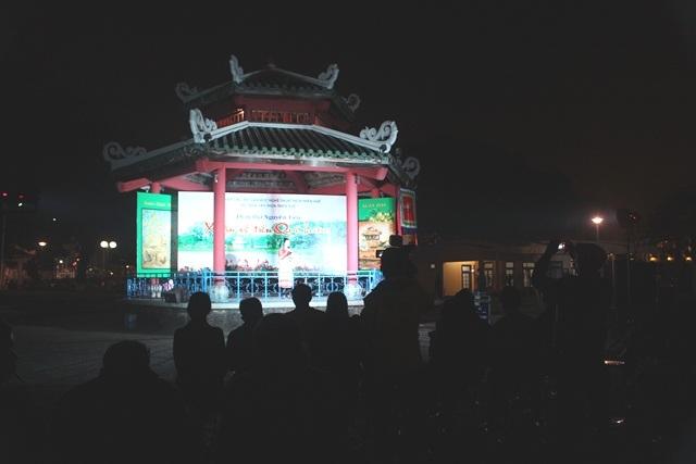 Nhà Kèn bên dòng sông Hương thơ mộng tràn đầy cảm xúc với đêm thơ Nguyên Tiêu của văn nghệ sĩ cố đô Huế