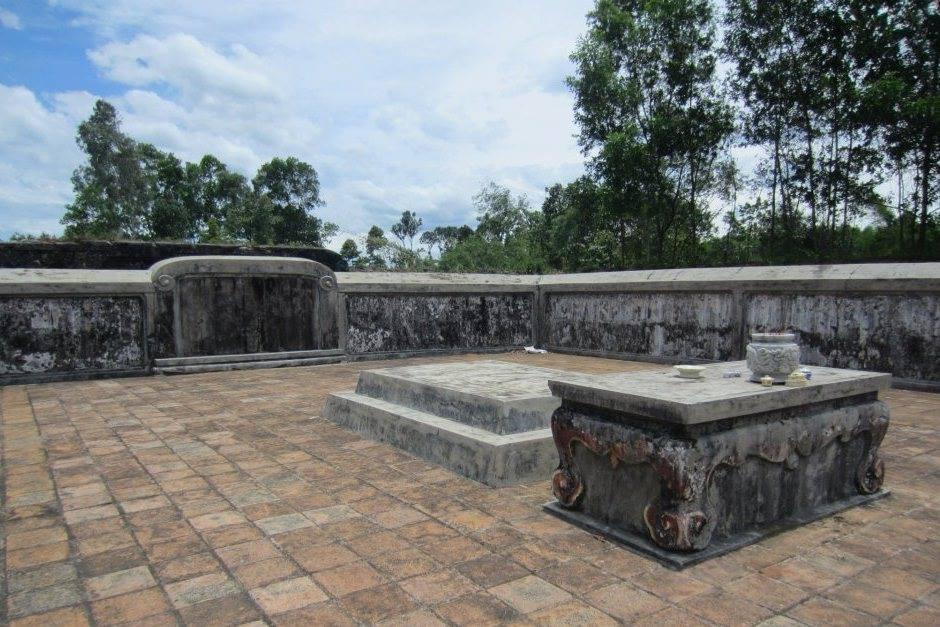 Phần mộ của chúa Tiên