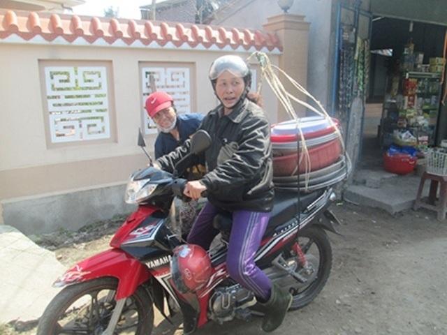 Với hơn 10 năm nghề xe ôm cô Lê Thị Phượng luôn được mọi người tin tưởng thuê đi