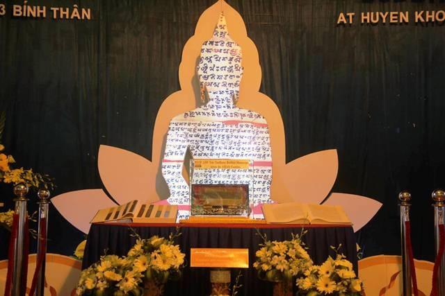 Bản kinh Phật cổ xưa quý giá đã được đưa về Việt Nam nhờ có công sức rất lớn của Thượng tọa Pháp Tông, Trụ trì chùa Huyền Không - Huế