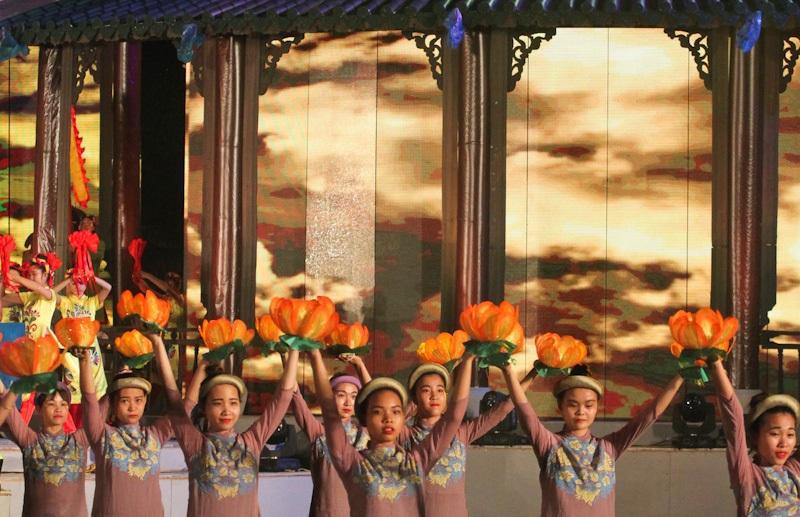 Đêm khai mạc Festival Huế 2016 đầy sắc màu quyến rũ - 3