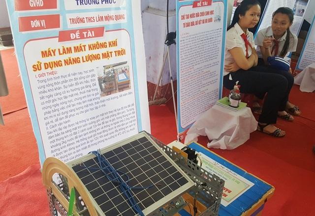 Máy làm mát không khí sử dụng năng lượng mặt trời