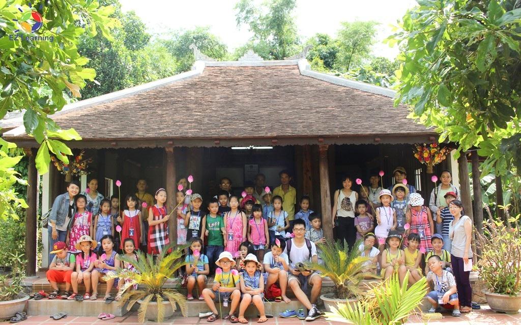 Học viên khóa tiếng Anh Hè bán trú - Amazing Summer 2015 của EZ Learning trong chuyến dã ngoại tại làng Hoa giấy Thanh Tiên - Huế