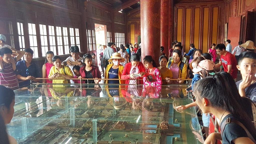 Mô hình Hoàng thành Huế xưa được mọi người chú ý