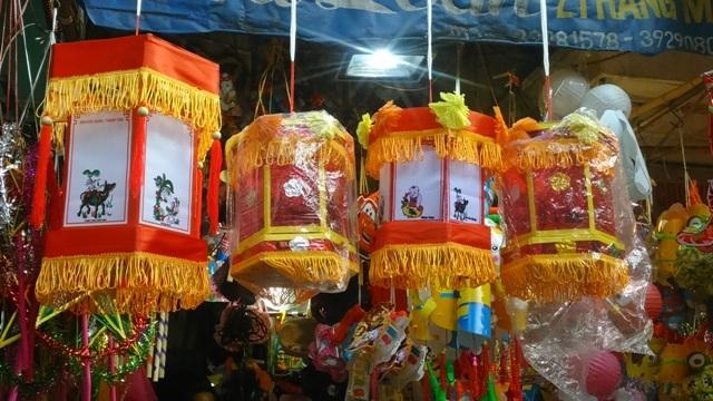 Đèn trung thu, đèn lồng Việt xuất hiện ngày một nhiều