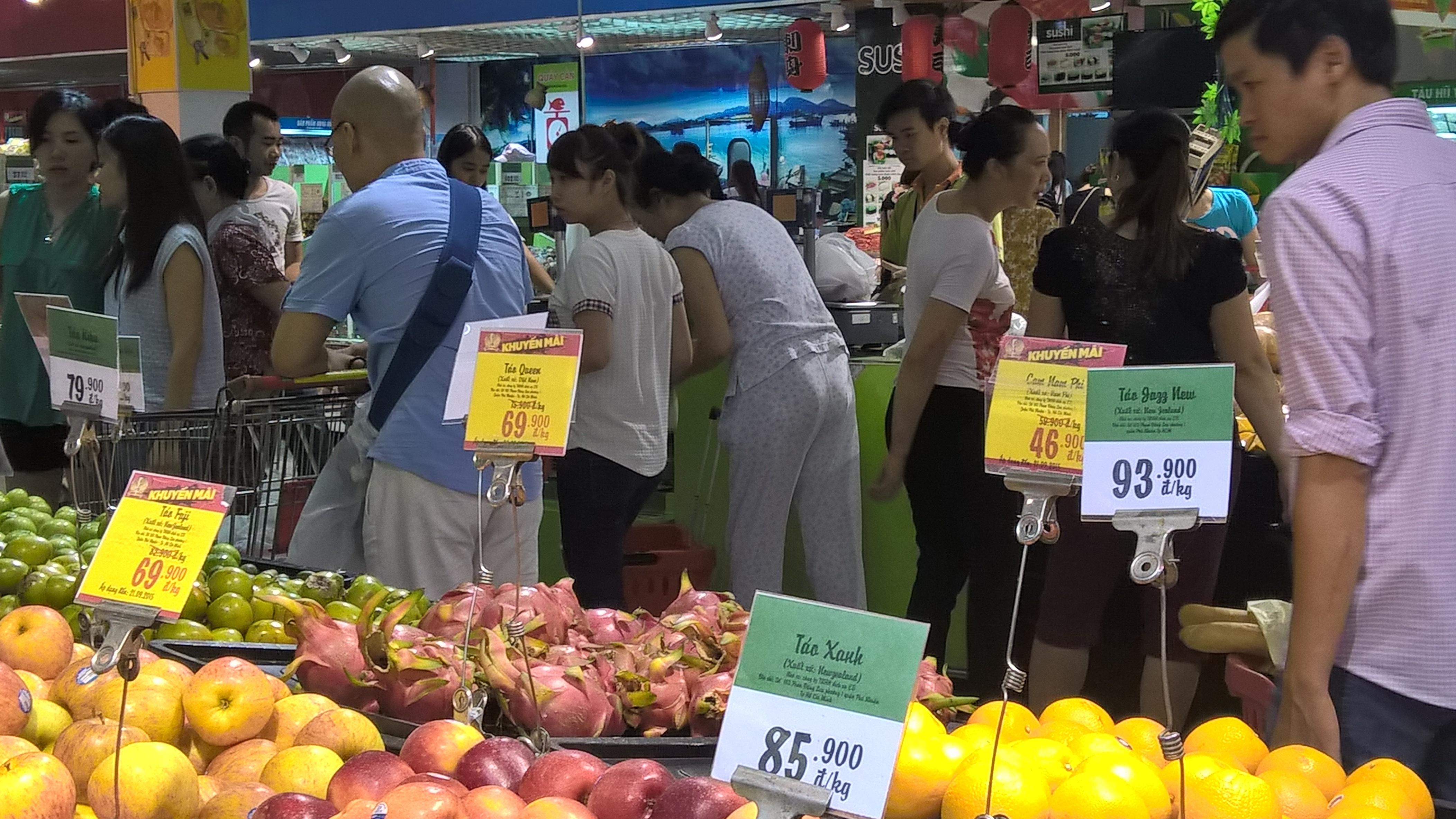 Người Việt vẫn đứng đầu thế giới về tiết kiệm chi tiêu (Ảnh: Nguyễn Tuyền)