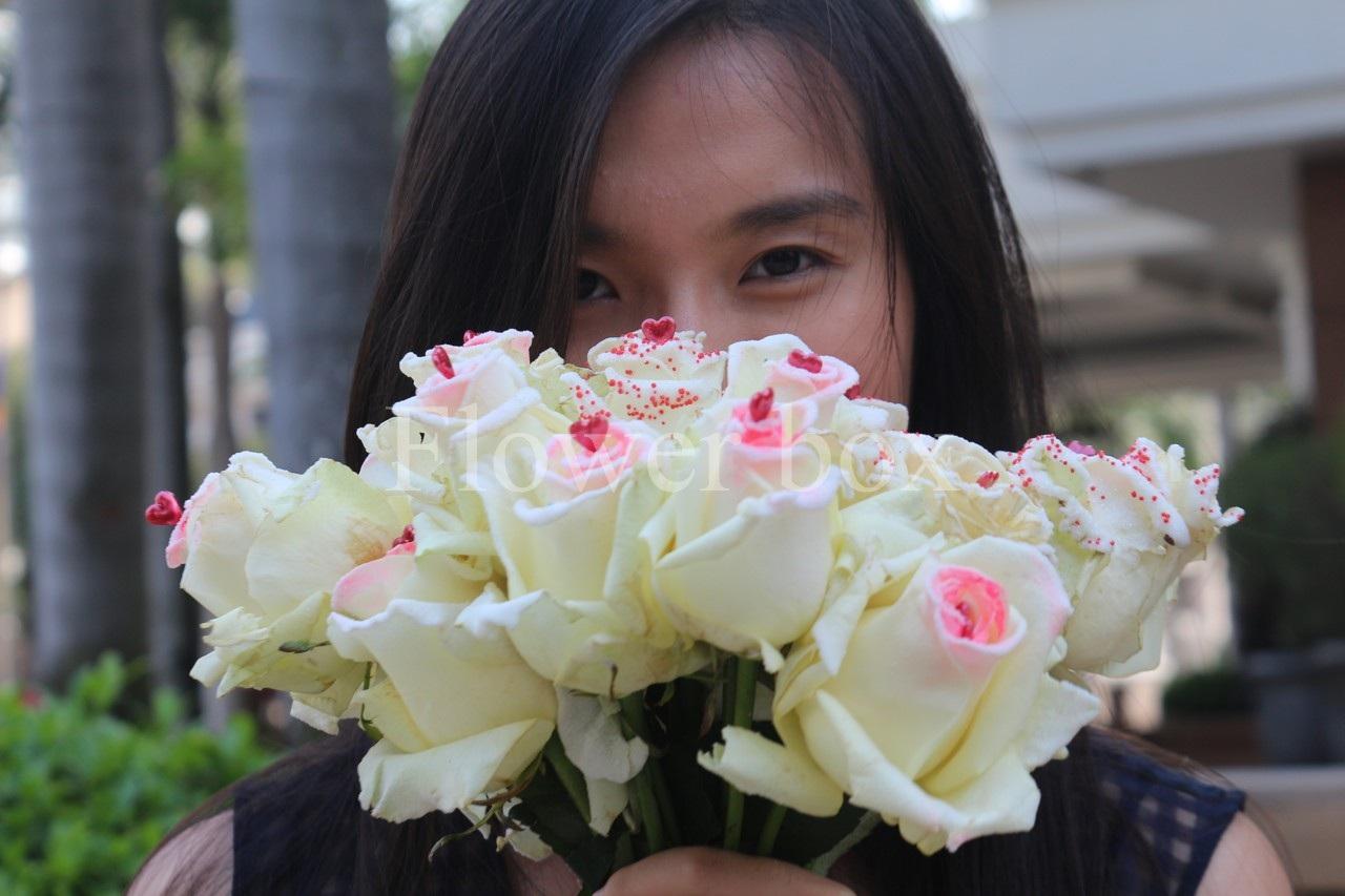 Quà 20/10 độc lạ: 250.000 đồng một bông hồng phủ sô cô la - 6