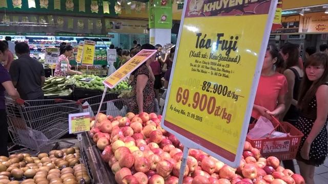 Hoa quả ngoại chiếm ưu thế tại nhiều siêu thị